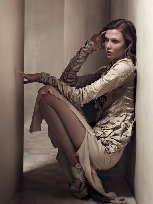 Karlie Kloss in Donna Karan ss2011 ad campaign