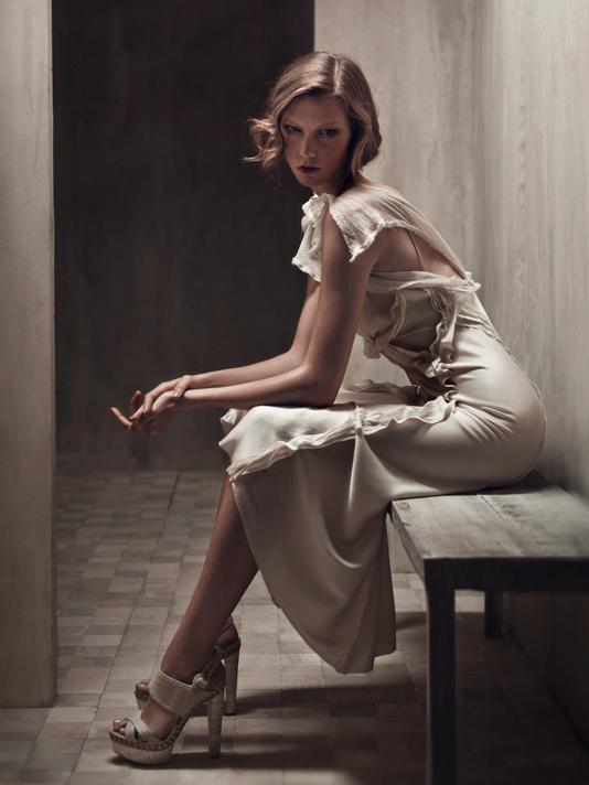 Karlie Kloss in Donna Karan ad campaign spring-summer 2011