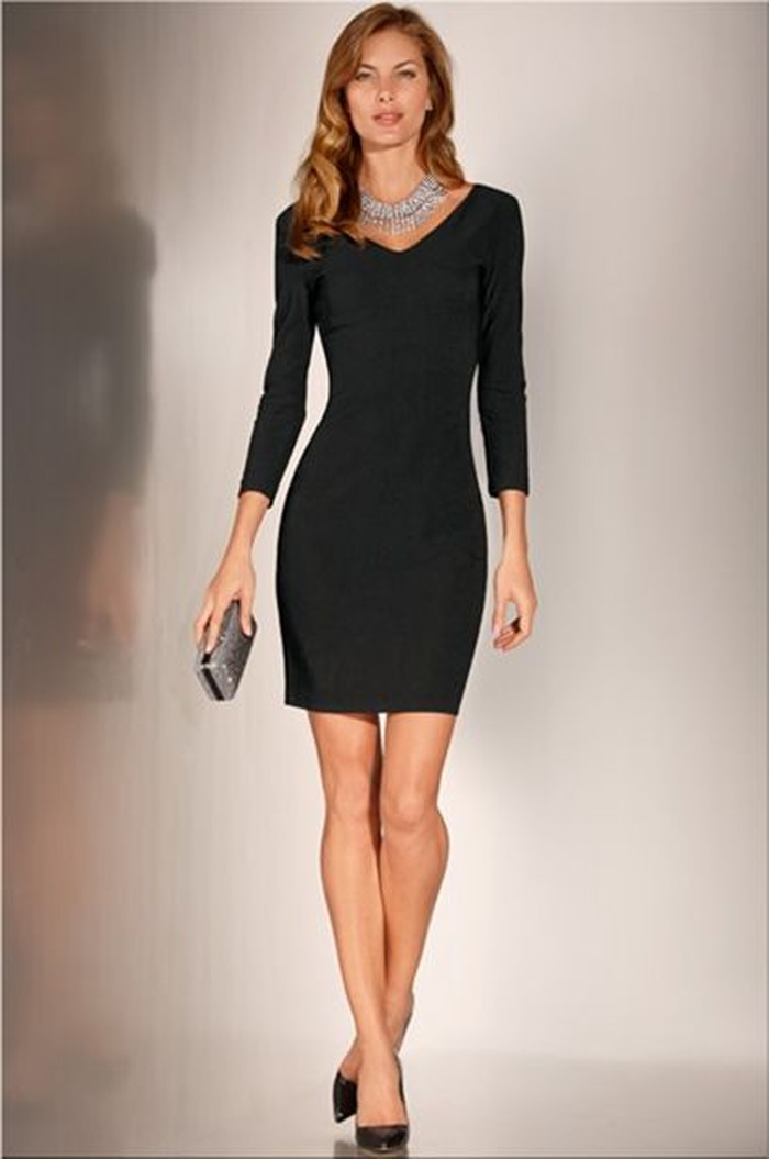 Travel double-v little black dress