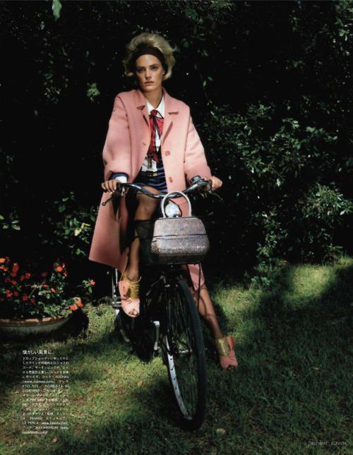 Leah De Wavrin by Manuela Pavesi for Vogue Japan september 2011