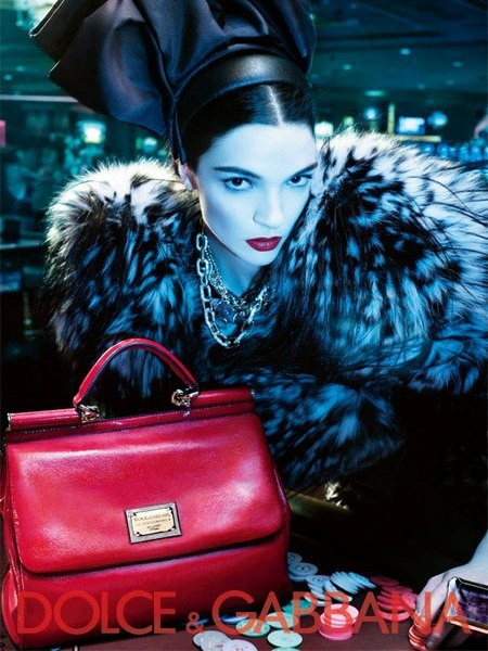 Dolce&Gabbana fall 2009 ad campaign bags