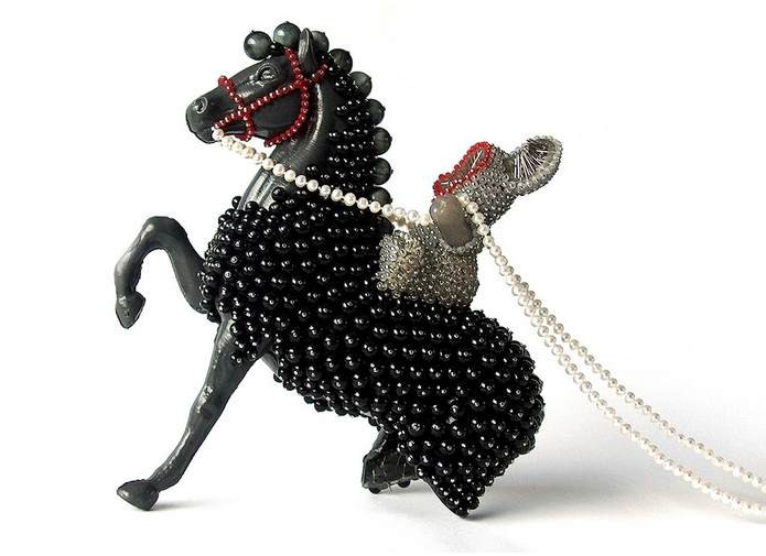 Sari Liimatta, Escapism jewelry sculpture, 2010