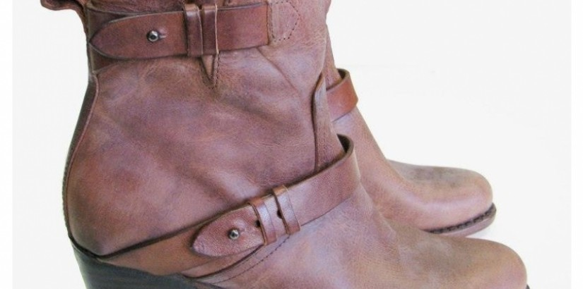 Chestnut flat boots