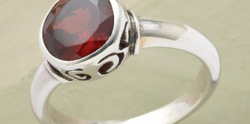 Brilliant garnet ring